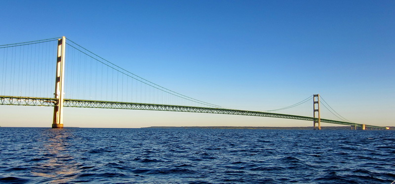 mackinac_bridge1.jpg